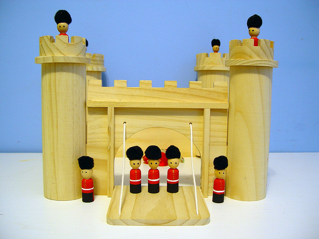Queen's Guard Peg Dolls