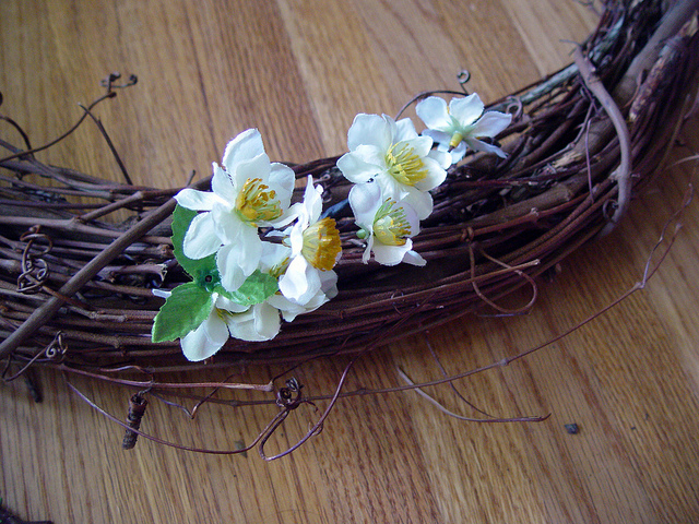 767091935wire flowers6_ce1cff99a0_z