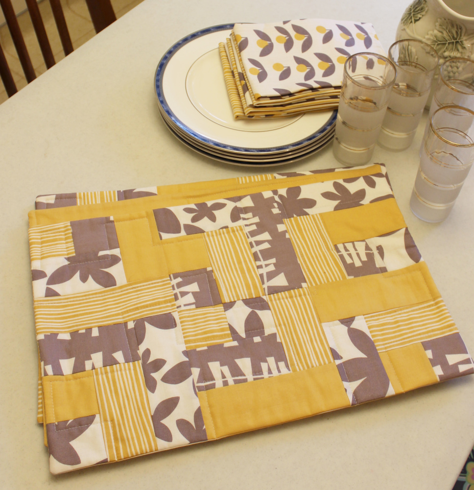 Easy Peasy Placemats